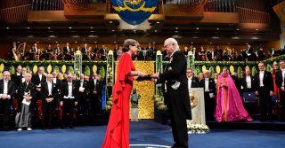 Донна Стрикленд и Френсис Арнольд получили Нобелевскую премию по физике и химии