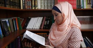 """""""Прийняла іслам у метро"""": Історії українок, які стали мусульманками"""