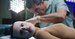 Красота требует жертв: Зачем женщинам болезненные бьюти-практики