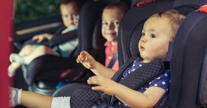 Водіїв штрафуватимуть на 510 грн, якщо дитина - не в автокріслі