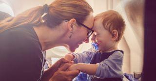 В путешествие с маленьким ребенком: Как организовать перелет
