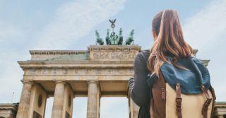 За кордон: 5 доступних турів для відпочинку на травневі