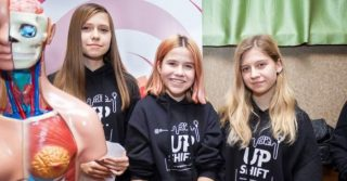 We are not shy: Зачем три харьковские школьницы создали образовательный проект о менструации