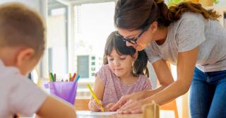 Відповідальність за помилки: Чи карати дітей, чи хвалити?