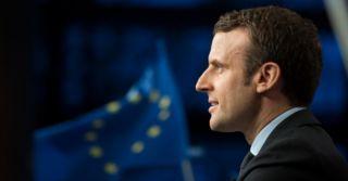 Президент Франції підтримав законопроект, який дозволить лесбійкам робити ЕКЗ
