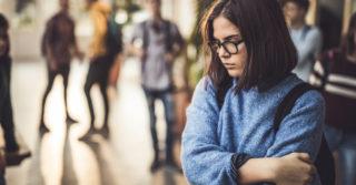 «Только никому не говори»: о чем молчат подростки?