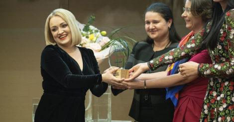 Для предпринимательниц открыты заявки на участие в премии «Создано женщинами»