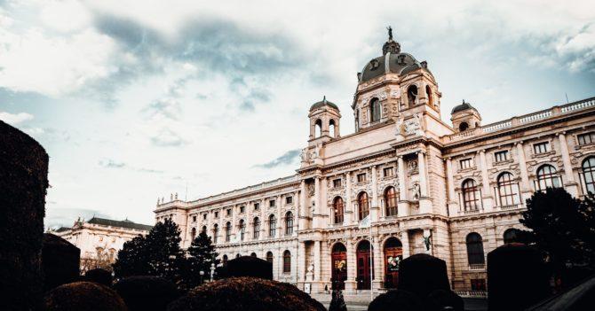 Поки грім не гримнув: Актуальна ситуація з епідемією в Австрії