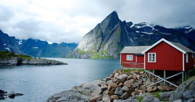 Уединяйтесь, но не слишком: Норвегия на карантине в версии детских писательниц