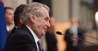 Президент Чехии Земан хочет закрыть границы на год