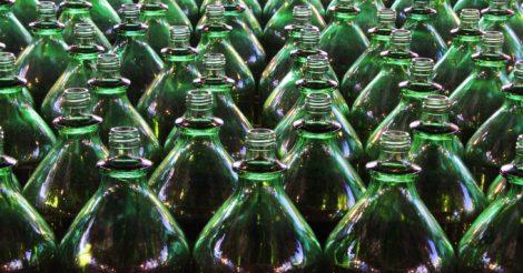 Ученые нашли фермент, способный растворять пластиковые бутылки в течение нескольких часов