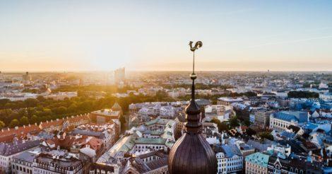 Эпидемия и/или экономика: Как Латвия борется с коронавирусом
