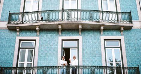 Португалия на карантине: Никаких рукопожатий и поцелуев