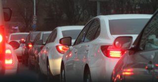 В Киеве образовались гигантские пробки: на блокпостах меряют температуру