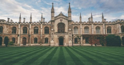 Британия не будет ждать два года: Карантинный репортаж из Оксфорда