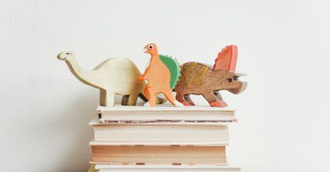 Увлекательная природа: 5 интересных книг и полезных приложений по биологии
