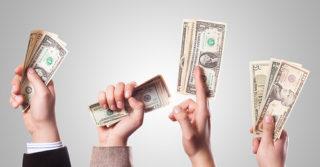 Эгоистичные люди считают себя более щедрыми: говорят исследования