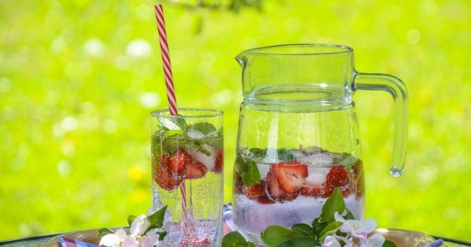 8 способов оставаться гидратированным, кроме питьевой воды