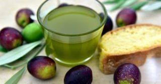 Как сделать полезное оливковое масло в домашних условиях