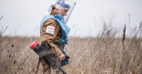 Осторожно, мины: Истории женщин-саперов на Донбассе