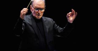 Легендарный Эннио Морриконе скончался: подборка произведений музыканта