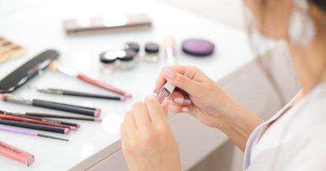 Исследование: чем красятся и сколько тратят на косметику в Украине и мире