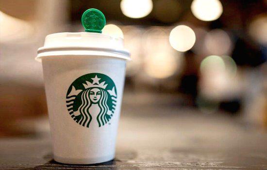 Мусульманка подала иск на Starbucks из-за надписи на ее стакане