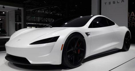 Роботов для орального секса будут продавать к машине Tesla
