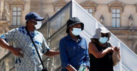 В Париже носить маски будут обязаны все старше 11 лет