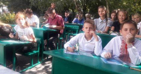 МОЗ предлагает учебным заведениям проводить занятия на улице
