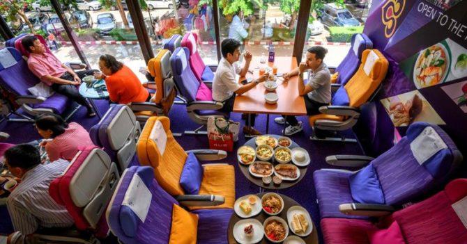 Авиакомпания Таиланда открыла ресторан-самолет