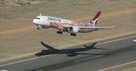 """Австралийский авиаперевозчик Qantas запустил """"полет в никуда"""""""