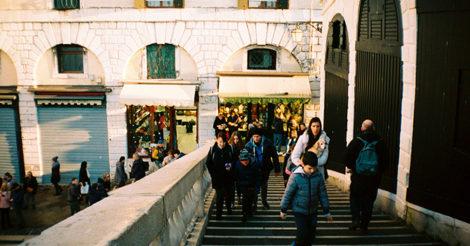ТОП 10 удобных городов для пешеходных прогулок по версии Tourline