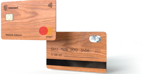 В Британии выпустили деревянную банковскую карточку
