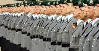 Немецкие ЛГБТ-военные, которых уволили из-за ориентации получат компенсацию