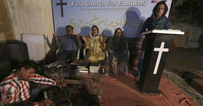 Трансгендеры Пакистана создали свою церковь