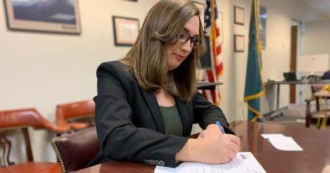 Трансгендерка впервые стала сенатором США