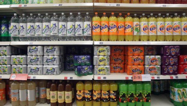 В Великобритании запретили продавать вредную еду возле кассы