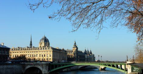 Штраф за гендерный дисбаланс в мэрии Парижа: слишком много женщин в руководстве