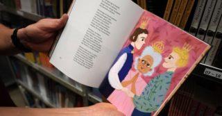 Издательства Венгрии должны предупреждать об ЛГБТ-персонажах в сказках