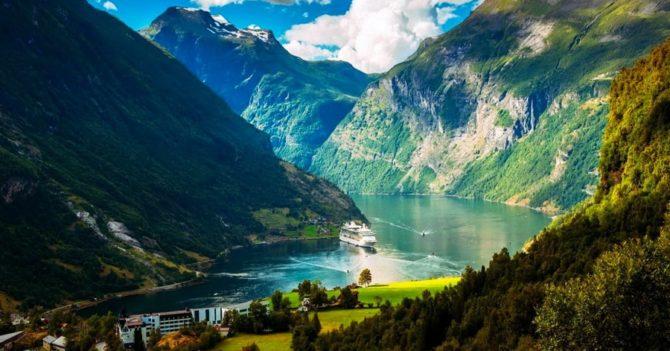 Норвегия закрыла границы из-за нового штамма COVID-19