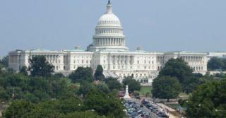 Демократ Уорнок побеждает на выборах в сенат США от Джорджии
