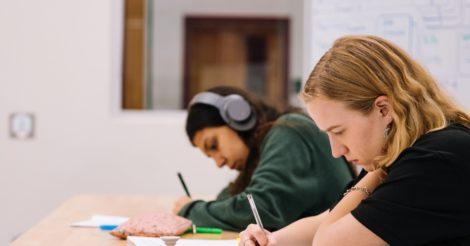 Исследование PISA: Только 1 из 10 школьников показал высокий уровень финансовой грамотности