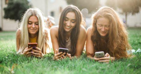 Соціальні мережі VS соціальні зв`язки: Про спілкування як фактор щастя