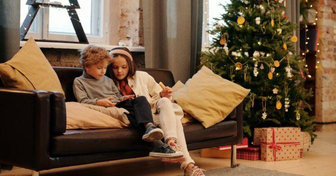 Старые сказки и новые фильмы: Что читать и смотреть с детьми на каникулах