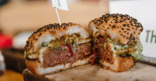 Где готовят блюда из растительного мяса в Киеве