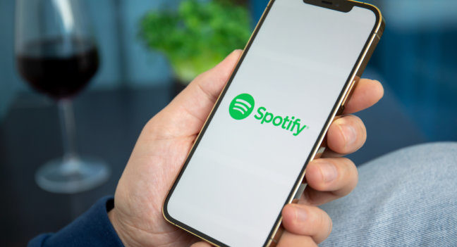Spotify научится подбирать музыку под настроение человека