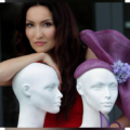 От эскизов до аксессуаров: Марта Холод о создании бренда шляпок ручной работы