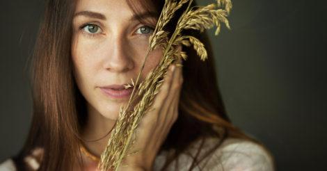 «ODARA». Жена известного композитора Евгения Хмары выпустила свой первый сольный альбом