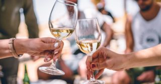 Белое или красное? ТОП-7 украинских вин, которые подойдут к рыбе